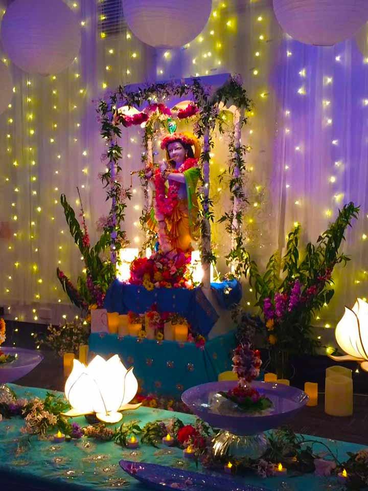 Krishnas-birthday-2015-gold-coast-altar-2