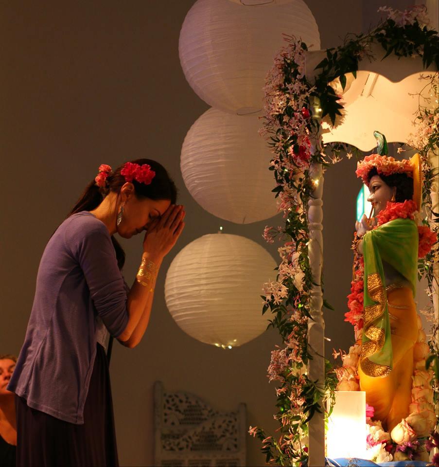 Krishnas birthday praying to krsna